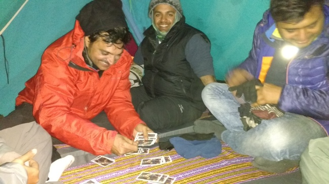 The game of theen patti at 12,000 feet