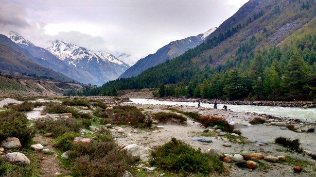 The view of Baspa river in the backdrop of the snow capped peaks was beyond words