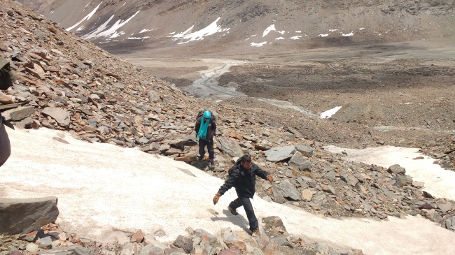 Inching closer to the lower basecamp of Lamkhaga pass