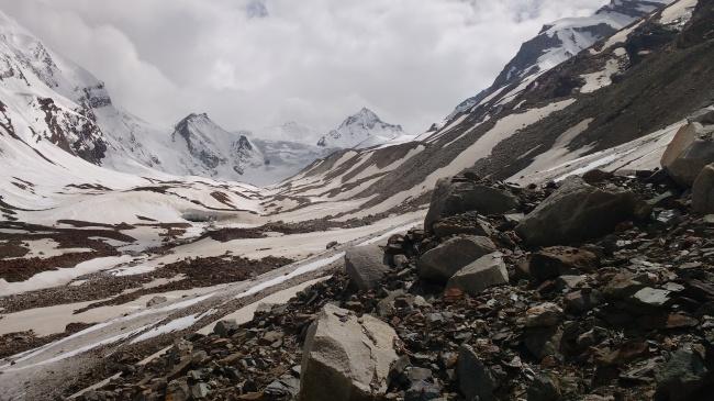 The trails beyond the Lamkhaga lower basecamp